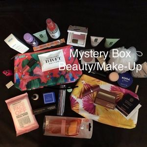 Beauty and Make-Up Mystery Box. 10+ items …
